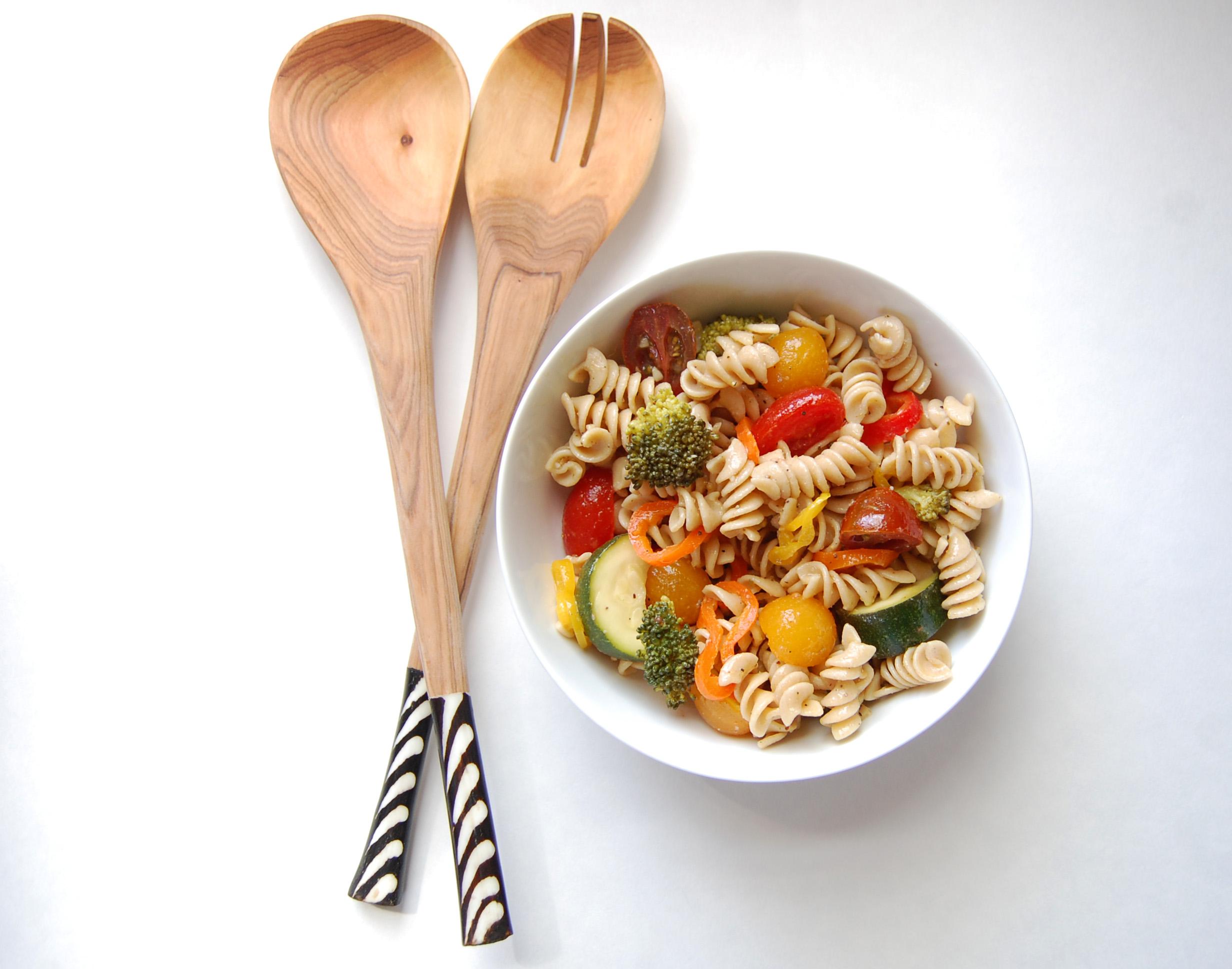 Summer Pasta Salad | AreYouKitchenMe.com