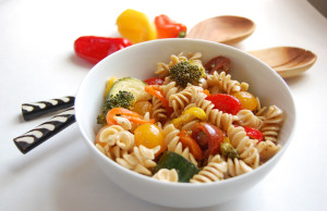 Summer Pasta Salad | AreYouKitchenMe.com
