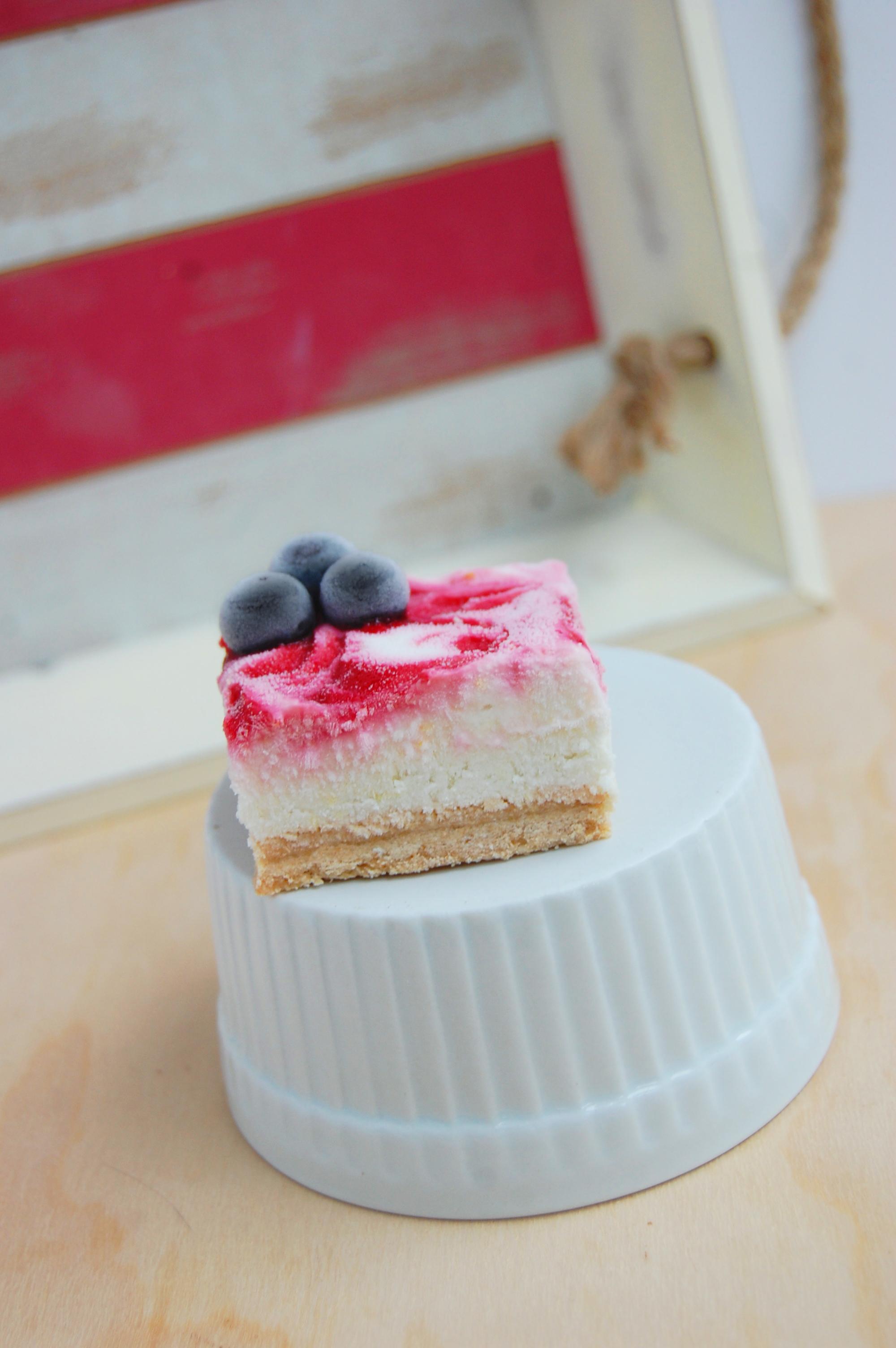 Patriotic-Lemon-Cream-Bars-5