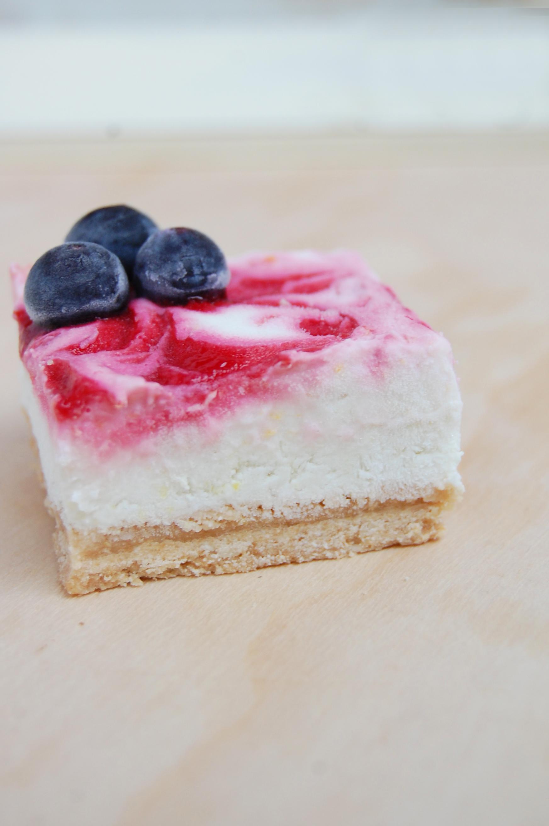 Patriotic-Lemon-Cream-Bars-6