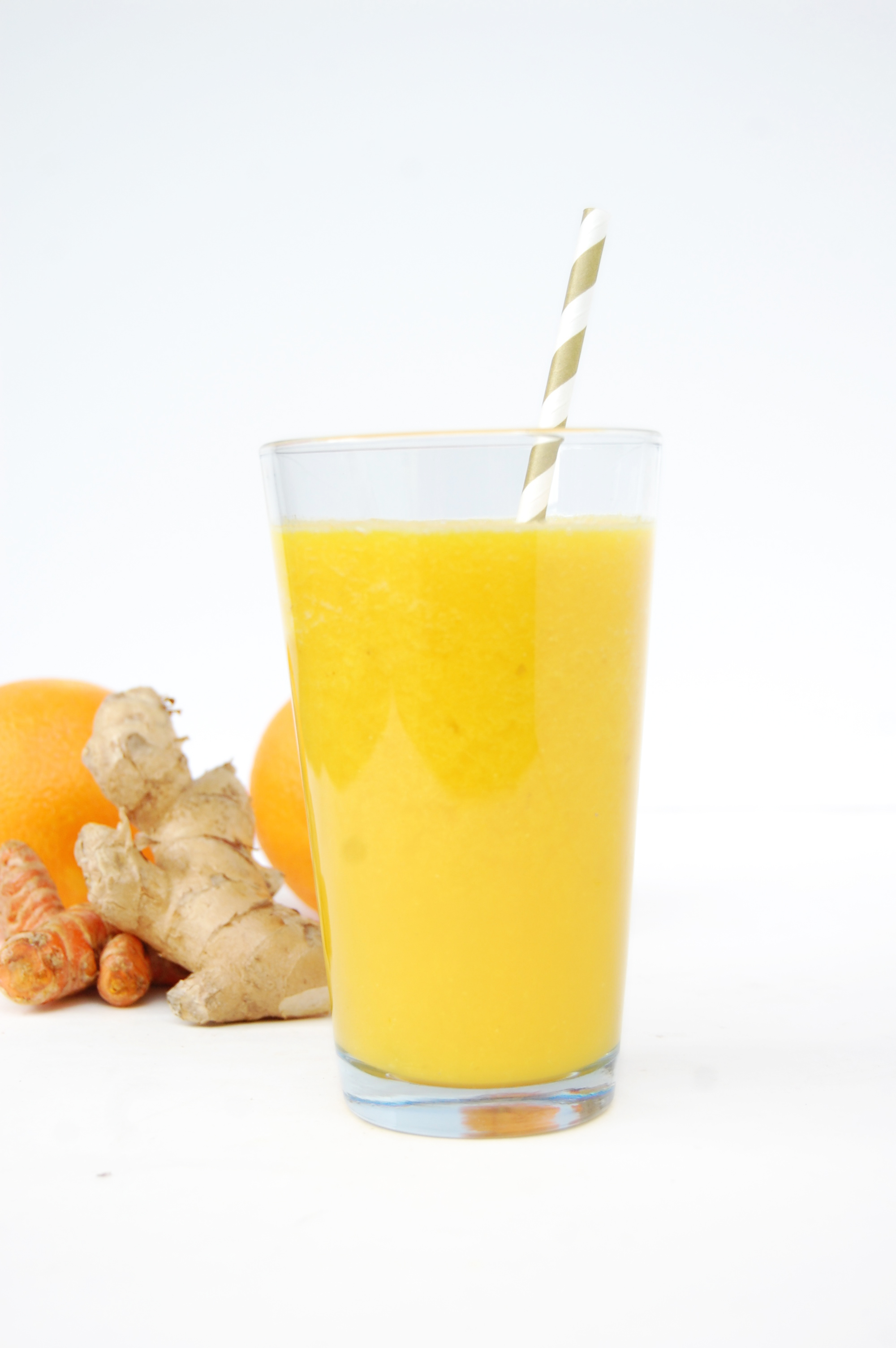 Anti-Inflammatory Orange Juice | AreYouKitchenMe.com