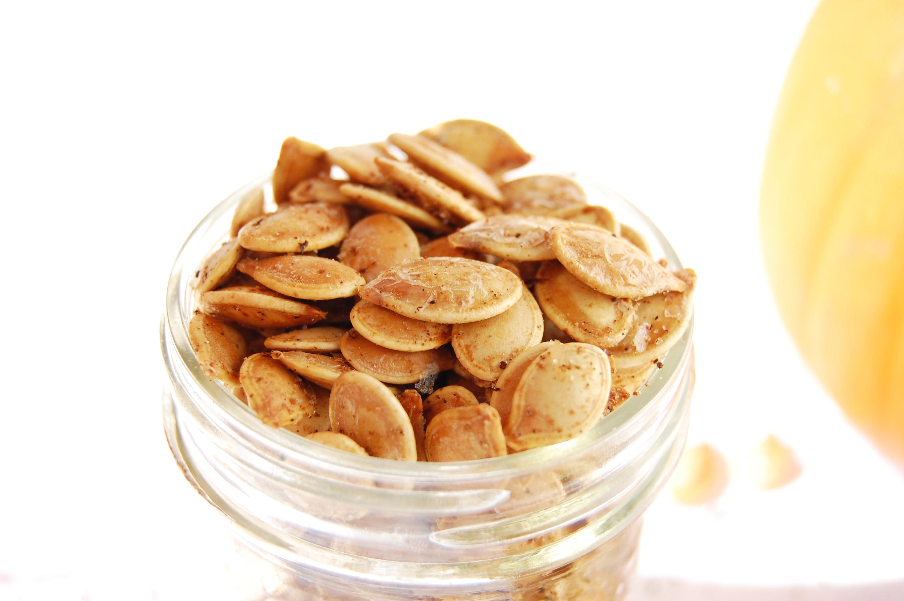 Salt & Pepper Roasted Pumpkin Seeds | AreYouKitchenMe.com