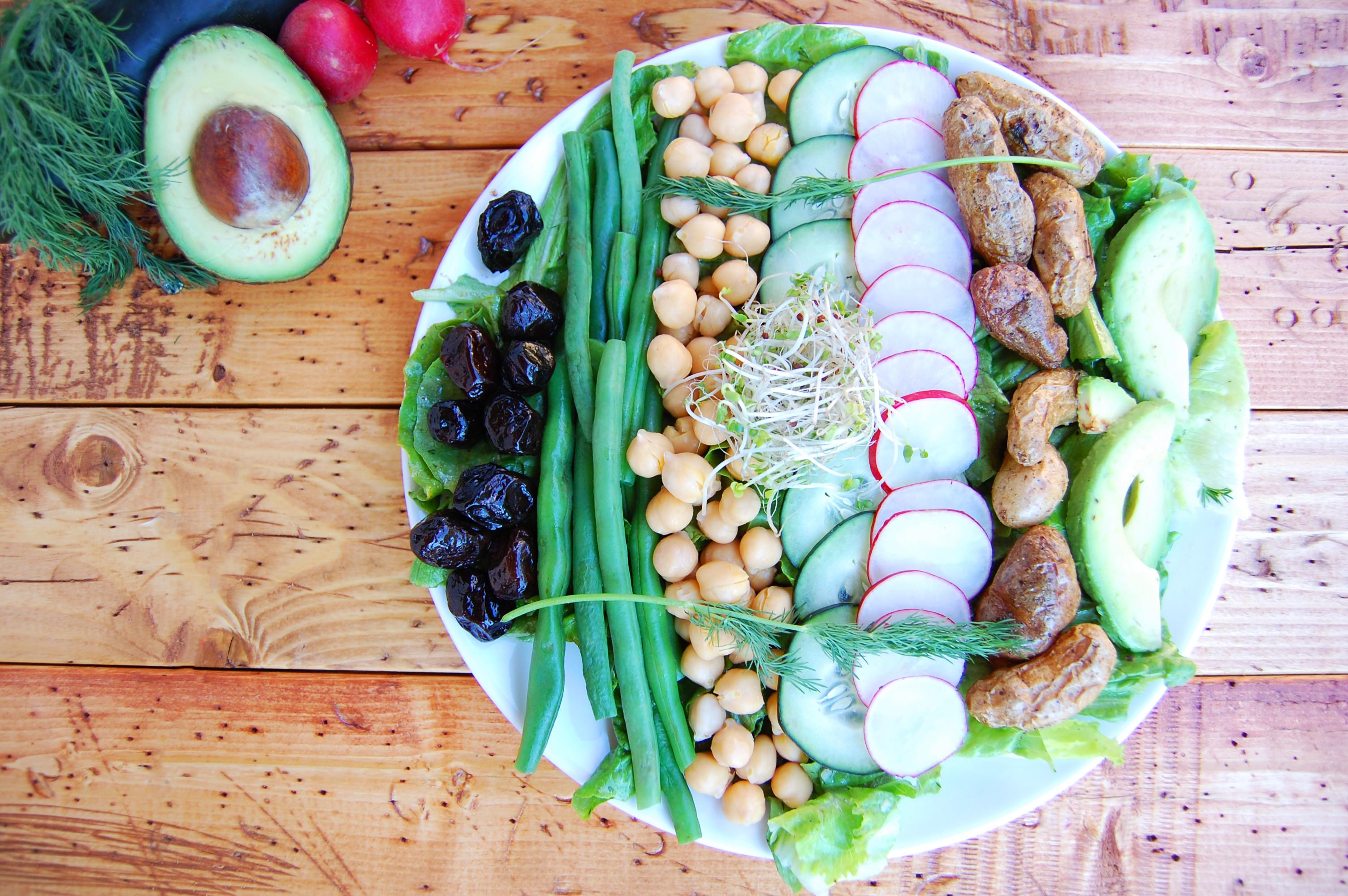 Vegan Nicoise Salad | AreYouKitchenMe.com