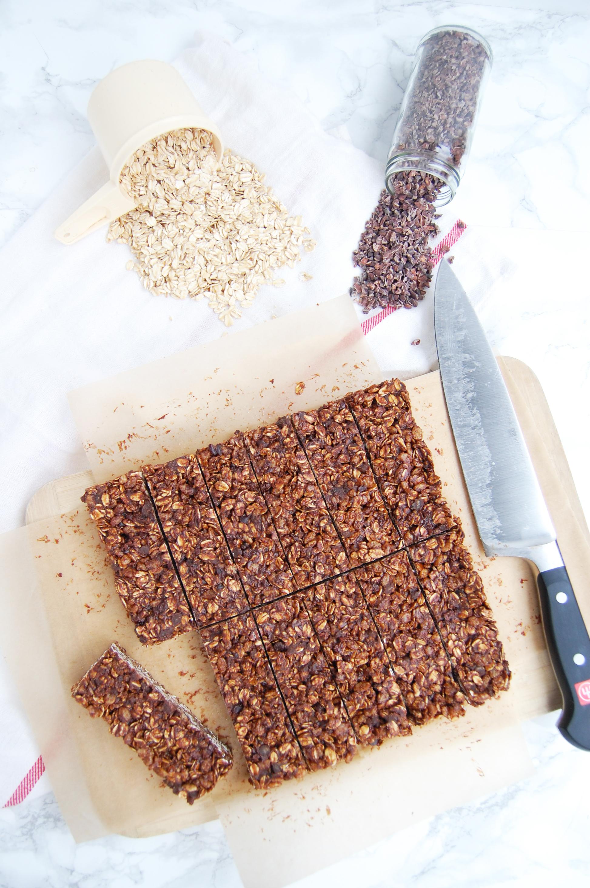 Salted Dark Chocolate Granola Bars | AreYouKitchenMe.com
