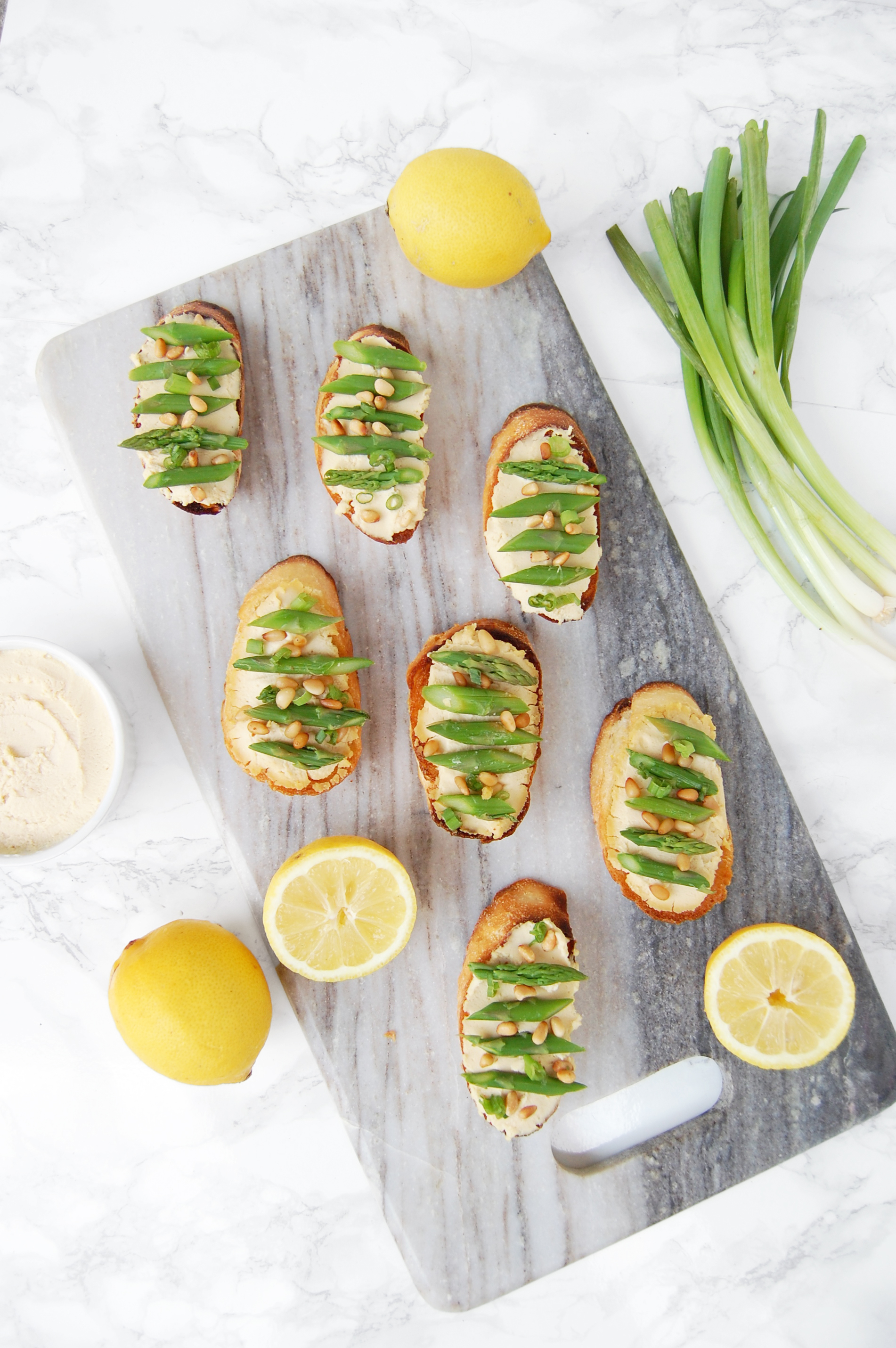 Asparagus Crostini with Lemon Hummus | AreYouKitchenMe.com