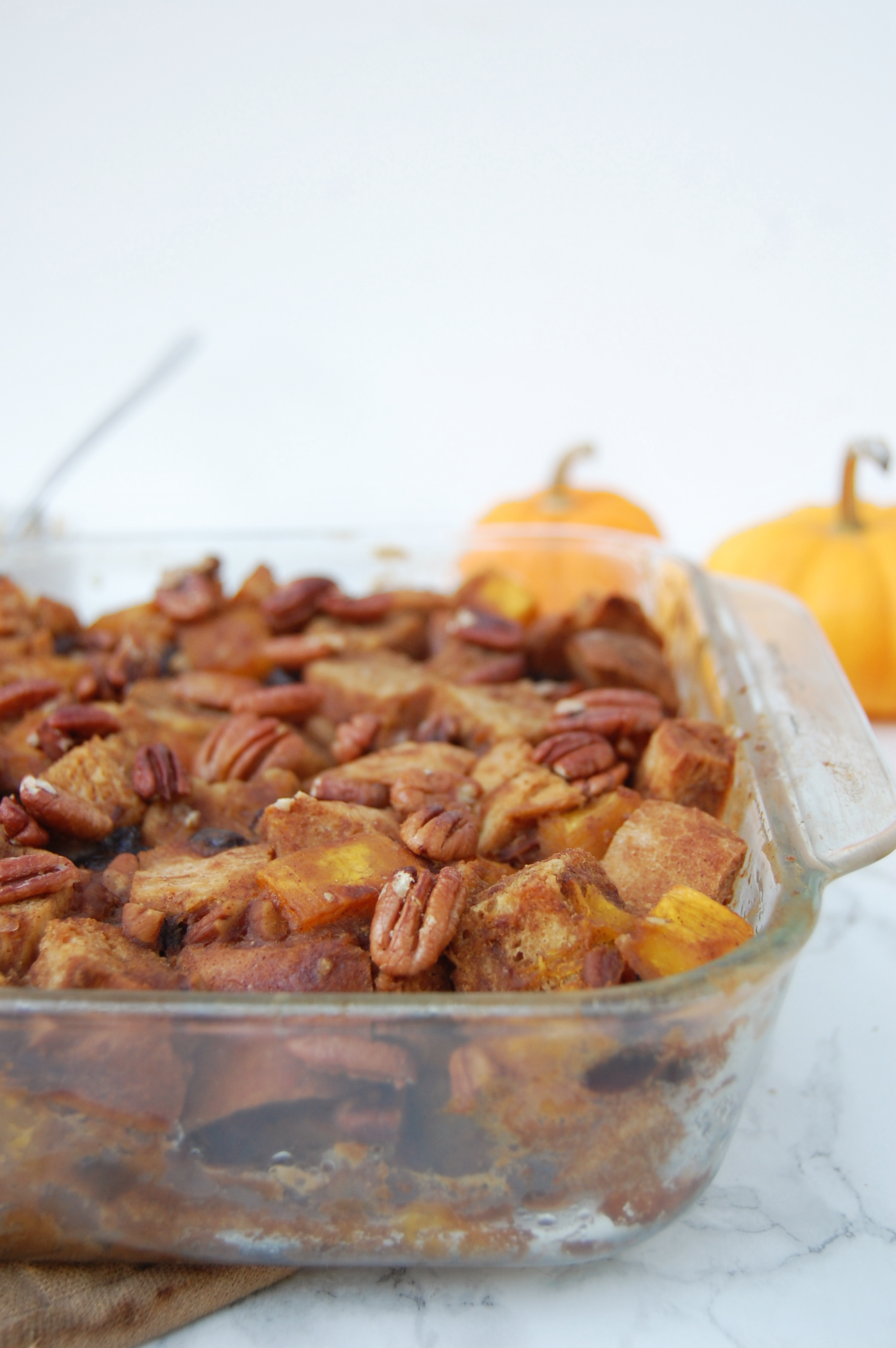 Vegan Pumpkin Bread Pudding | AreYouKitchenMe.com