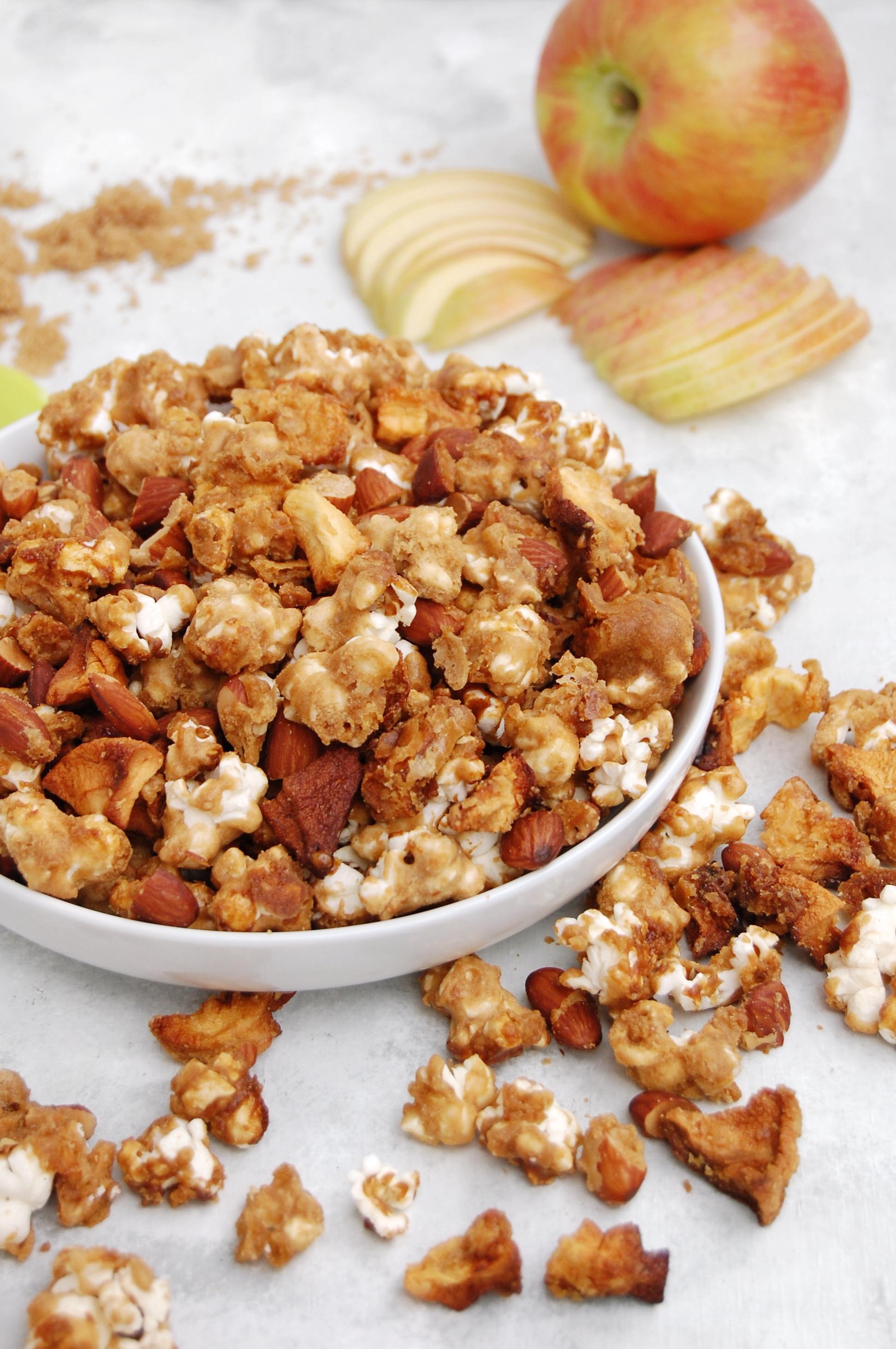 Caramel Apple Popcorn | AreYouKitchenMe.com
